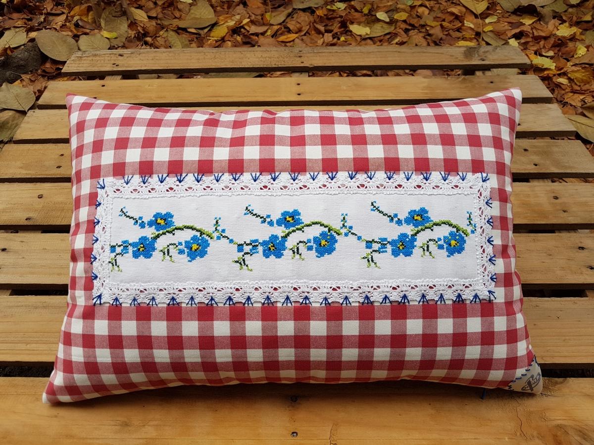 Kırmızı Kareli Mavi Çiçekli Yastık Beg_2118