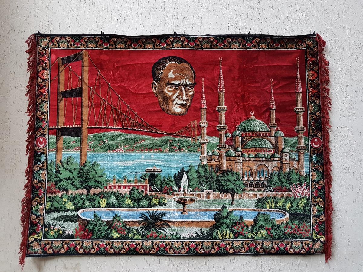 Eski Alman Malı Kadife Atatürk Duvar Halısı Beg_2181