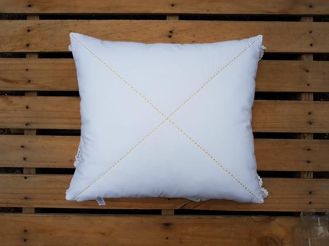 45 X 50 Cm Beyaz Etamin Üzerine İşlemeli Yastık_beg_2869